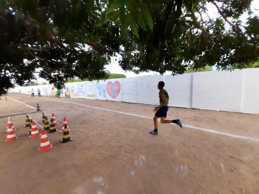 Adolescentes de Iguatu participam de Torneio Interno de Atletismo